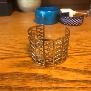 Jewelry - Never worn beautiful gold bracelet